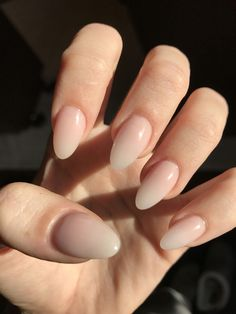 Natural Ombré Almond Acrylic Nails #AcrylicNailsStiletto Acrylic Nails Almond Shape, Acrylic Nails Natural, Simple Acrylic Nails, Acrylic Nail Shapes, Acrylic Nail Designs, Nail Art Designs, Easy Nails, Gel Nail Art, Natural Nails