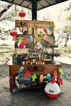 Gone Fishing Birthday Party Food Table -- Rustic and Vintage-Inspired Decorations. 1st Boy Birthday, Boy Birthday Parties, Birthday Ideas, Happy Birthday, Gone Fishing Party, Fishing Wedding, Cumpleaños Angry Birds, Baby Shower, Camping