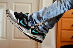 sweetsoles:  Nike Air Max 1 Atmos Elephant (by jackwagner129)