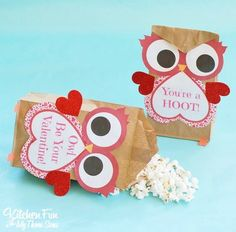 Valentine Owl Craft - this fun Owl Brown Paper Treat Bag is so easy to decorate for Valentine's Day using our Free Printable!