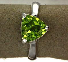 size 9 peridot silver ring -6 [sj2372]