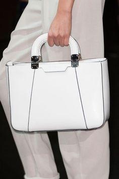 Emporio Armani | Milan Fashion Week Spring 2015. Best Handbags, Fashion Handbags, Purses And Handbags, Fashion Bags, Fashion Backpack, Milan Fashion, Women's Fashion, Spring Summer Fashion, Spring 2015