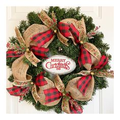 Holiday Wreaths, Holiday Crafts, Christmas Decorations, Homemade Christmas Wreaths, Winter Wreaths, Holiday Ideas, Wreath Crafts, Wreath Ideas, Burlap Wreath