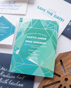 The Oslo Collection is perfect for a more modern couple - we love the geometric lines in a matte gold foil but they'd look amazing in copper or letterpress too!  photo by @mikkelpaige