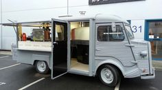 Citroën HY wood fired pizza truck