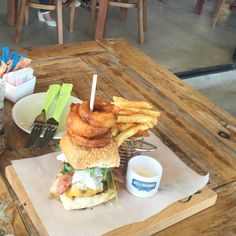 Burger by Nuy