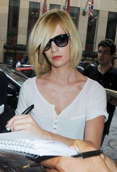 "January Jones Pictures - January Jones Signs Autographs at ""Late Night With Jimmy Fallon"" - Zimbio"