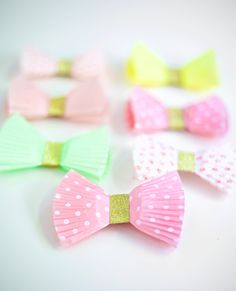 DIY Gift Bows (with Cupcake Wrappers!)