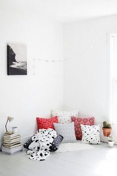 Use The Floors - The Reading Nooks You Need To Mimic  - Photos