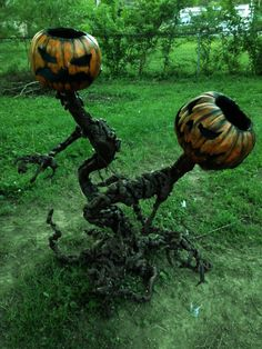 My Pumpkin Fiends have won second place in The Holiday Store's prop contest. Halloween Prop, Halloween Party Supplies, Outdoor Halloween, Halloween Horror, Diy Halloween Decorations, Spirit Halloween, Holidays Halloween, Halloween Pumpkins, Halloween Crafts