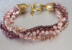 bracelet de perles de nacre et cristal par beadnurse sur Etsy, $45,00