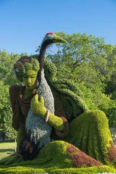Plant Sculptures at the Montreal Botanical Garden The Montreal Botanical Garden, with its incredible topiary sculpture.The Montreal Botanical Garden, with its incredible topiary sculpture. Topiary Garden, Garden Art, Garden Design, Big Garden, Fruit Garden, Easy Garden, Succulents Garden, Montreal Botanical Garden, Botanical Gardens