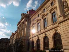 BNR Louvre, Building, Travel, Viajes, Buildings, Destinations, Traveling, Trips, Construction