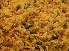 Haitian Pigeon Peas and Rice Recipe – haitianfoodrecipe… FULL RECIPE HERE Yellow Rice Recipe yellow rice recipe chicken and yellow rice re. Yummy Recipes, Rice Recipes, Beef Recipes, Vegetarian Recipes, Cooking Recipes, Donut Recipes, Dinner Recipes, Yummy Food, Recipes