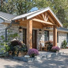Front Porch Remodel, House Front Porch, Front Porch Design, Home Porch, Porch Roof, Front Porches, Home Exterior Makeover, Exterior Remodel, Porche Chalet