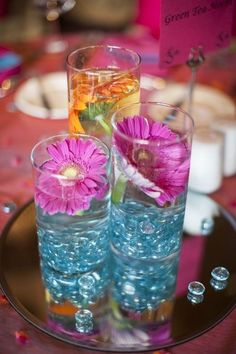 Summer wedding table decoration, glass table decor for summer wedding with flowers, summer wedding decor ideas www.loveitsomuch.com