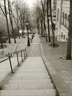 been dreaming of a return visit and photo shoot with the boy in montmartre, paris...on these stairs <3