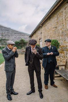 Bohemian Peaky Blinders Wedding with Lots of DIY · Rock n Roll Bride Peaky Blinders Costume, Peaky Blinders Suit, Peaky Blinders Theme, Peaky Blinders Clothing, Roaring 20s Wedding, 1920s Wedding, Wedding Men, Vintage Wedding Suits, Wedding Hair