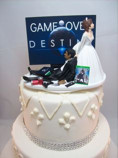 ridiculous cakes black wedding cake and groom playstation wedding cake 19239