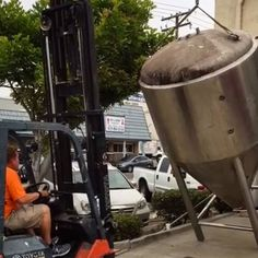 Our brewmaster Clint getting the 30bbl tanks ready for the brewery! 🍻 Join us for $12 ALL YOU CAN EAT TACOS with Las Taquizas Del Brother at Bolt La Mesa starting at 5 PM and 25% off growler fills ALL DAY! 🌮 #sandiego #sandiegoconnection #sdlocals #sandiegolocals - posted by Bolt⚡️Brewery https://www.instagram.com/boltbrewery. See more San Diego Beer at http://sdconnection.com