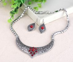 Elegant Jewelry Sets Women Ladies Earring Chain Necklace with Round Imitate Turquoise