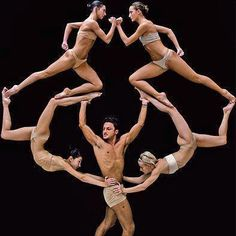 Gah! What dancers do with the human body is so amazing! Right!?