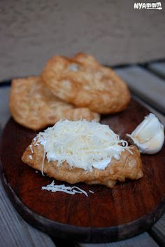 Nyammm: Az igazi lángos 1957 óta:) - In memoriam Lehel piac Bread Recipes, Cooking Recipes, Cooking Ideas, Hungarian Recipes, Hungarian Food, Bread Rolls, Sweet And Salty, Sweet Bread, Bread Baking