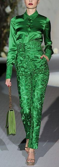 Emerald green - color of the year 2013 - Pantone    Verde Smeraldo - colore dell'anno 2013 secondo Pantone    #emerald #green #2013 #pantone #color