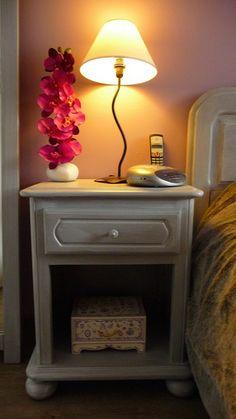 Rénovation des meubles d'une chambre avec Relook Bois par Cathy. ( Après )