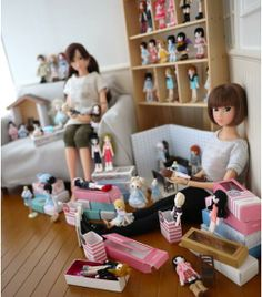 Momoko dolls playing with dolls. Doll's Life.