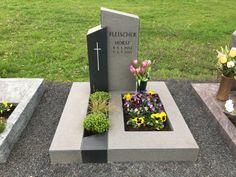 Cemetery Monuments, Cemetery Art, Tombstone Designs, Grave Headstones, Steinmetz, Cemetery Decorations, Memorial Stones, Outdoor Fun, Funeral