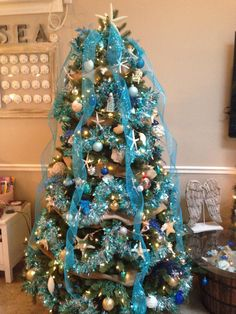 Eight of Our Favorite Coastal Decorated Holiday Trees