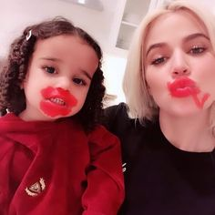 On Wednesday night, the Keeping Up With the Kardashians star let her niece, Dream Kardashian, apply lipstick to her face. In vide Bright Red Lipstick, Bright Makeup, Lipstick Shades, Makeup Guide, Makeup Geek, Dream Kardashian, Kardashian Jenner, Makeup Tumblr, Permanent Makeup Eyebrows