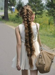 Very long fishbraid. |||| Such a lovely princess like braid! Gotta remember this pic everytime I think my hair is too long. It would be this long if I didn't keep cutting it 4 fingers before the coccyx bone.