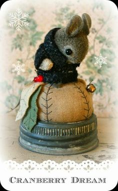 A Handcrafted Wool Felt Mouse Pin Cushion. by SusanPilotto on Etsy A Handcrafted Wool Felt Mouse Pin Cushion. by SusanPilotto on Etsy Felt Crafts, Fabric Crafts, Sewing Crafts, Sewing Projects, Mouse Crafts, Needle Felted Animals, Felt Animals, Needle Felting, Needle Book
