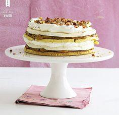 Massa amanteigada, doce de leite, suspiro e chantilly: um bolo em camadas para tirar qualquer um do sério (Foto: StockFood / Gallo Images Pty Ltd.)