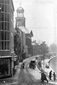 Winter in Utrecht | 1952 | De Oudegracht vanaf de Lange Viestraat