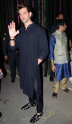 Shahid Kapoor, Hrithik Roshan, Black, Dresses, Image, Fashion, Vestidos, Moda, Black People
