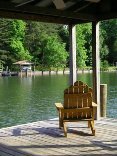what a perfect spot for an Adirondack chair Lakeside Living, Lakeside Cottage, Lake Cottage, Outdoor Living, Outdoor Decor, Lakeside View, Peaceful Places, Beautiful Places, Porches