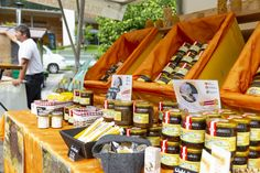 The weekly market - for years the Walser businessmen offer their mostly domestic and down-to-earth products. Marketing