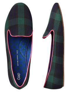 Tartan with pink trim... so Scottish.