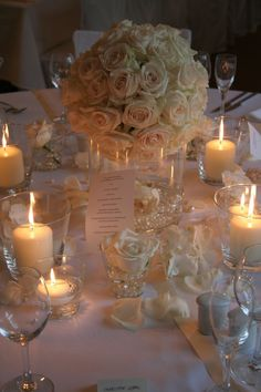 Winter wedding centrepiece idea. // with carnations & more theme colors