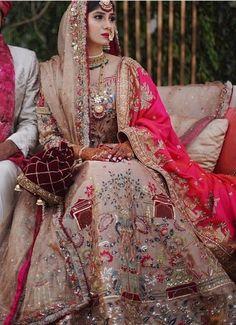 Sikh Wedding Dress, Pakistani Wedding Outfits, Indian Bridal Outfits, Indian Bridal Fashion, Pakistani Dresses, Nikkah Dress, Shadi Dresses, Lehnga Dress, Punjabi Wedding