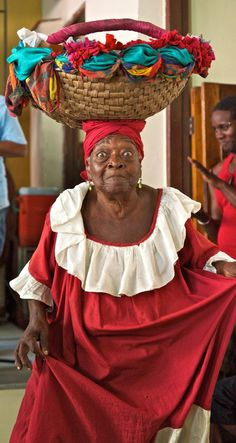 Coisas de Terê -   Arquivada em: cuba people around the world  #women #red #basket