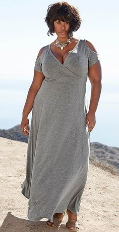 JUST IN!! Stitch Fix Plus Size fashion! 2017 fashion trends up to size 24W & 3XL. Have your own personal stylist picke items just for you & delivered to your door. No stress shopping in stores! #sponsored #stitchfix Grey cold shoulder maxi dress. comfortable stylish fashion