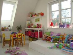 Pretty colours - fun way to put a Montessori style floor bed and spruce up with pillows. Boy Room, Kids Room, Montessori Bedroom, Montessori Toddler, Maria Montessori, Kids Corner, Little Girl Rooms, Kid Spaces, Bed Design