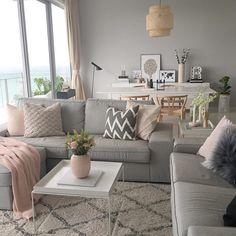 alfombra mullida con cerdas más largas y diseño ligero mejora la sensación de comodidad en la sala de estar. Para un simple cuadrado ...