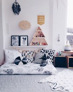 love the vibe of this kids room...