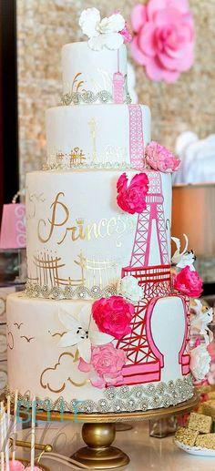 Elegante rosado y la torta temática parisiense de Oro: