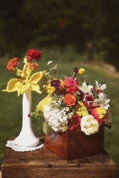 bright cheerful centerpiece ideas